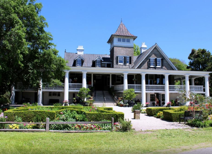 Plantation house tours at magnolia plantation and gardens for Plantation house